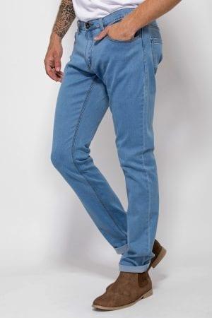 ג'ינס בסיס גזרה ישרה