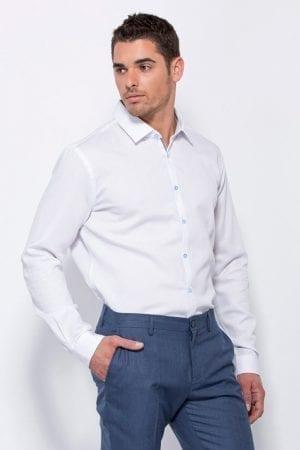חולצת כפתורים מחויטת