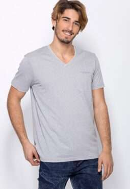 חולצת טי מלאנג´ עם צווארון וי