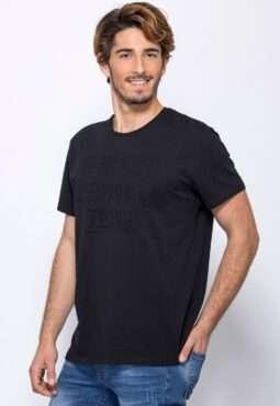 חולצת טי עם הדפס תבליט