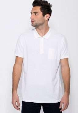 חולצת פולו קלאסית עם כיס חזה