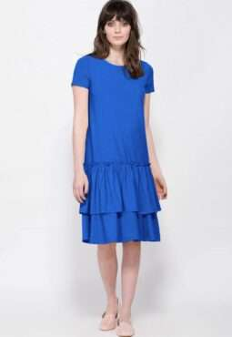 שמלה עם חצאית במראה שכבות