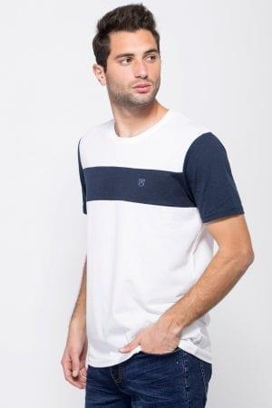 חולצת טי בשילוב פס חזה ושרוולים קונטרסטים