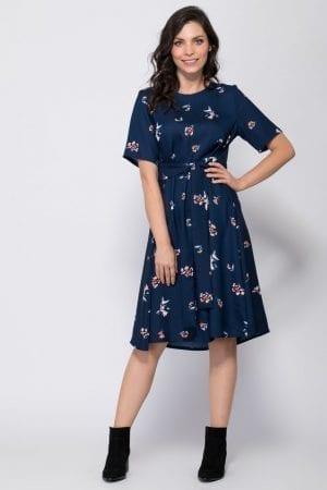 שמלה פרחונית עם קשירה