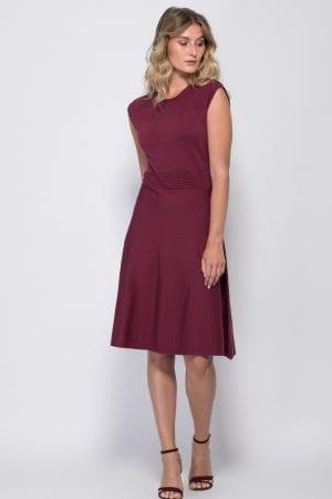 שמלת סריג בשילוב דוגמת סריגה דקורטיבית