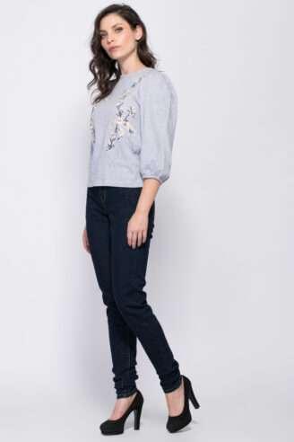 מכנסי ג'ינס סקיני בשילוב רקמה