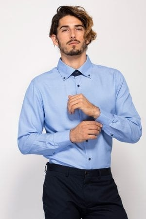 חולצת אריג טקסטורה במראה אלגנטי