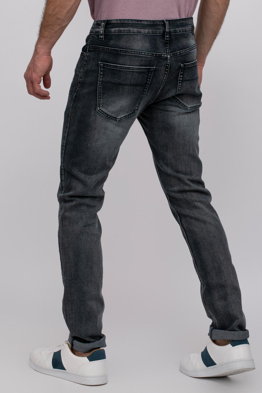 ג'ינס רגל צרה