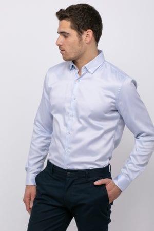 חולצה מכופתרת מחויטת עם טקסטורה
