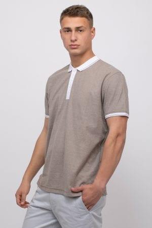 חולצת פולו פיקה צווארון וסיומת שרוול בצבע קונטרסטי