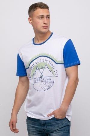 חולצת טי הדפס ושרוולים קונטרסטיים