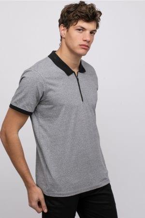 חולצת פולו טקסטורה צווארון בצבע קונטרסטי בשילוב רוכסן