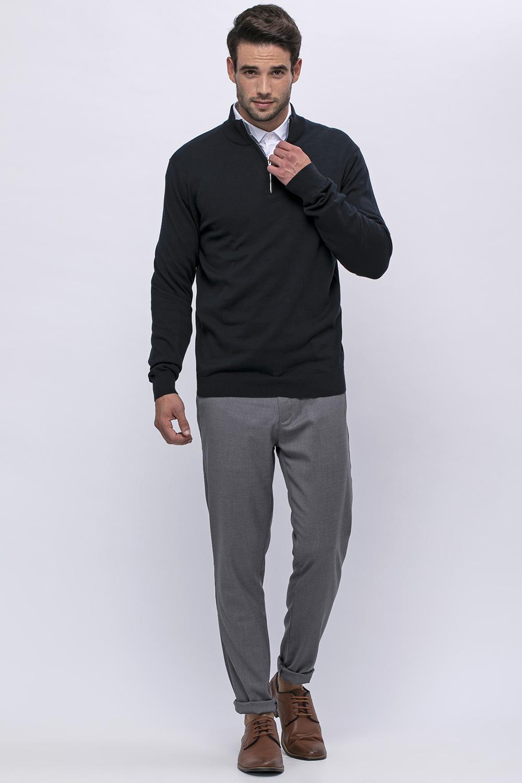 סוודר צווארון גבוה עם רוכסן וכיס