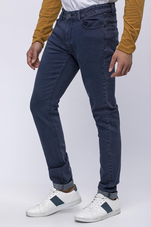 ג'ינס בסיס צבוע בגזרה צרה