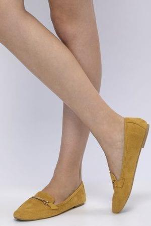 נעלי מוקסין בשילוב אבזם