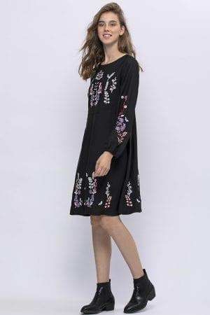 שמלה בשילוב רקמה