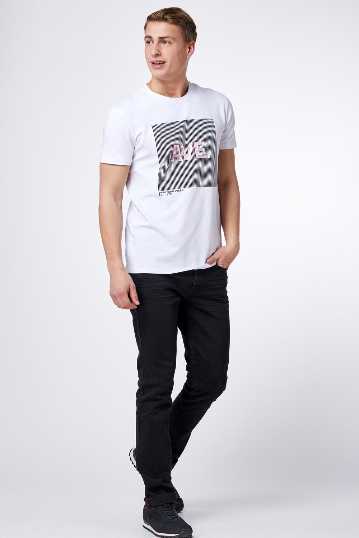חולצת טי לייקרה עם הדפס מיחד
