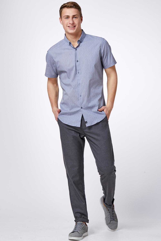 חולצה מכופתרת עם דוגמא אפורה