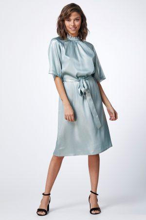 שמלה מבריקה