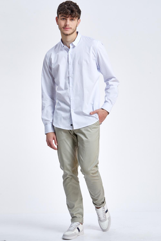חולצה מכופתרת אלגנטית עם טקסטורה