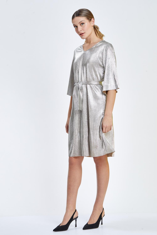 שמלת פליסה מבריקה