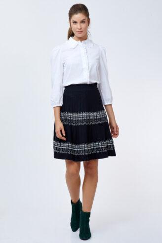 חצאית פליסה עם דוגמא