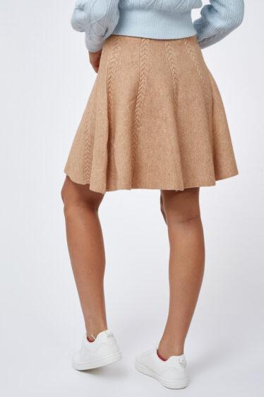 חצאית סריג צמות קצרה